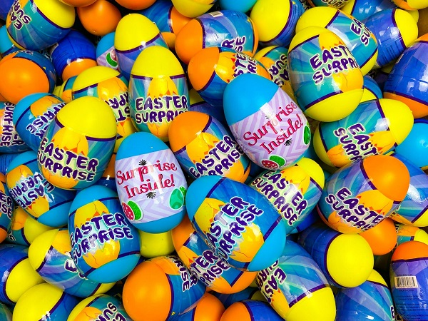 200 pack of 4 Inch Easter Surp...